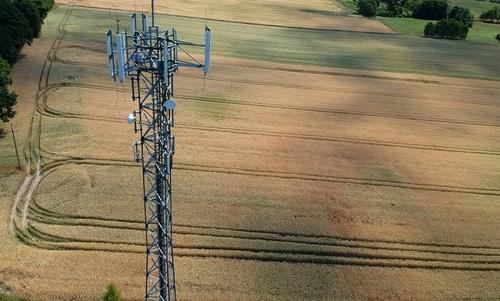 cell-tower-rural-wheat-field-shutterstock-650.jpg